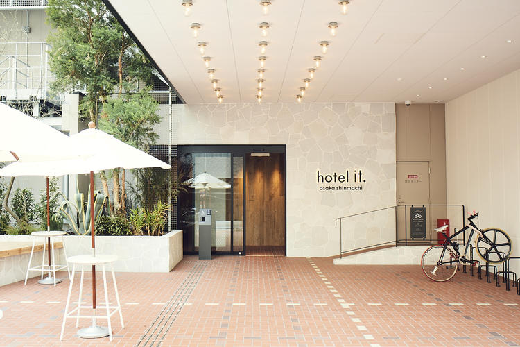 hotel it.の玄関