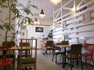 DOG DEPT CAFE 越谷レイクタウン店